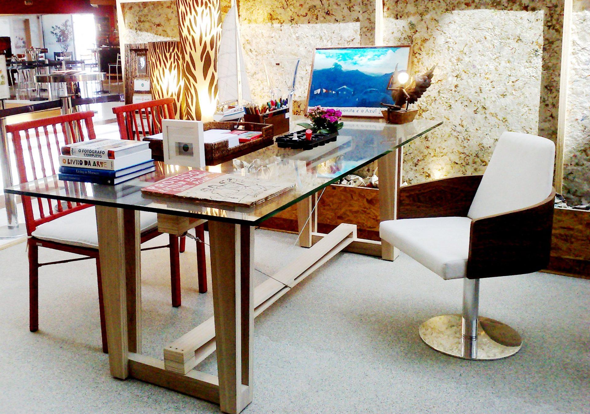 Ecodesign: lindos ambientes decorados com objetos reciclados Mania  #2A120A 2250x1578