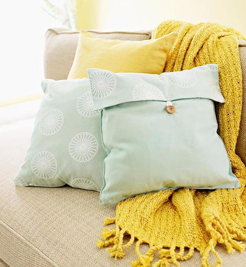 screenshot 2012 11 14 18 20 171 Inspiração do dia: almofadas criativas na decoração
