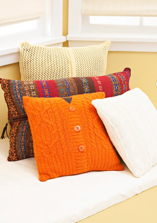 screenshot 2012 11 14 18 22 311 Inspiração do dia: almofadas criativas na decoração