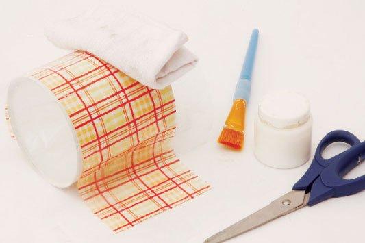 Como-fazer-porta-papel-higienico-latas-tecido