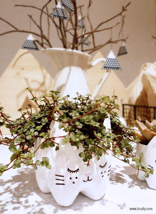 Vaso-de-flores-com-garrafa-PET-planta