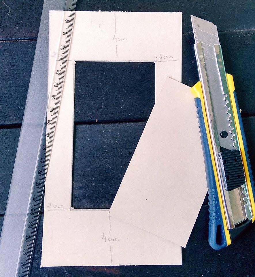 como-fazer-porta-retrato-com-papelao-interno