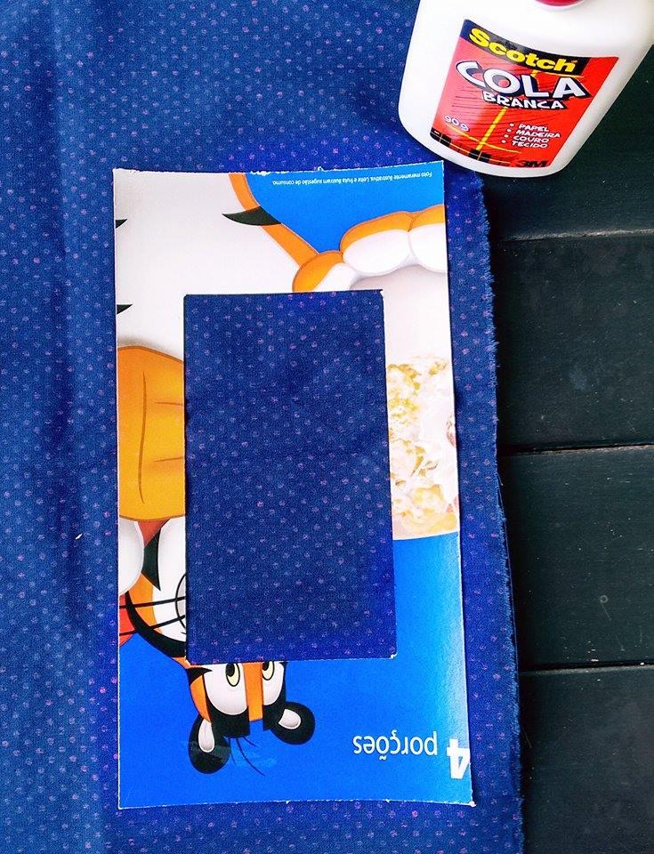 como-fazer-porta-retrato-com-papelao-tecido