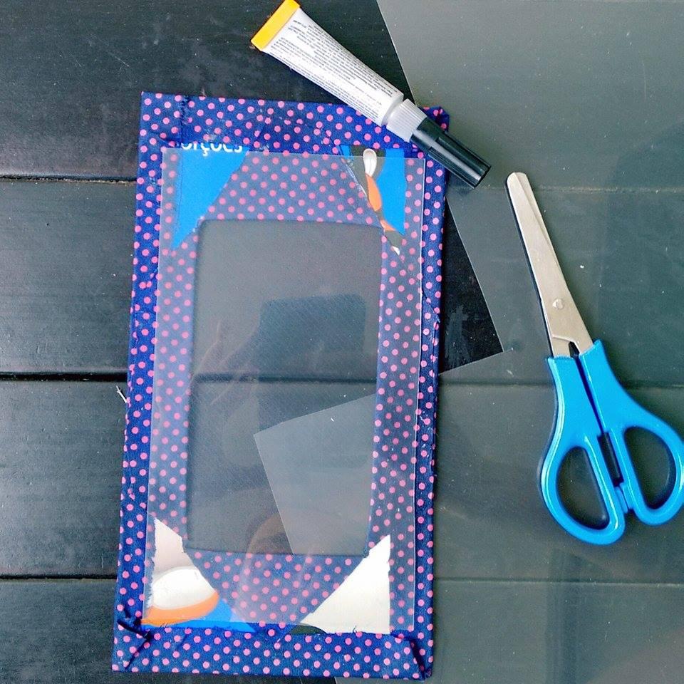 como-fazer-porta-retrato-com-papelao-tela