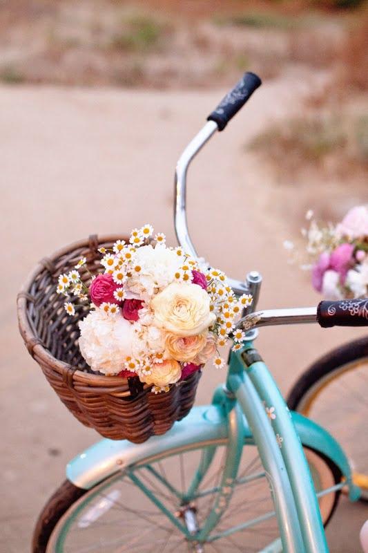 bicicleta-na-decoracao-flores