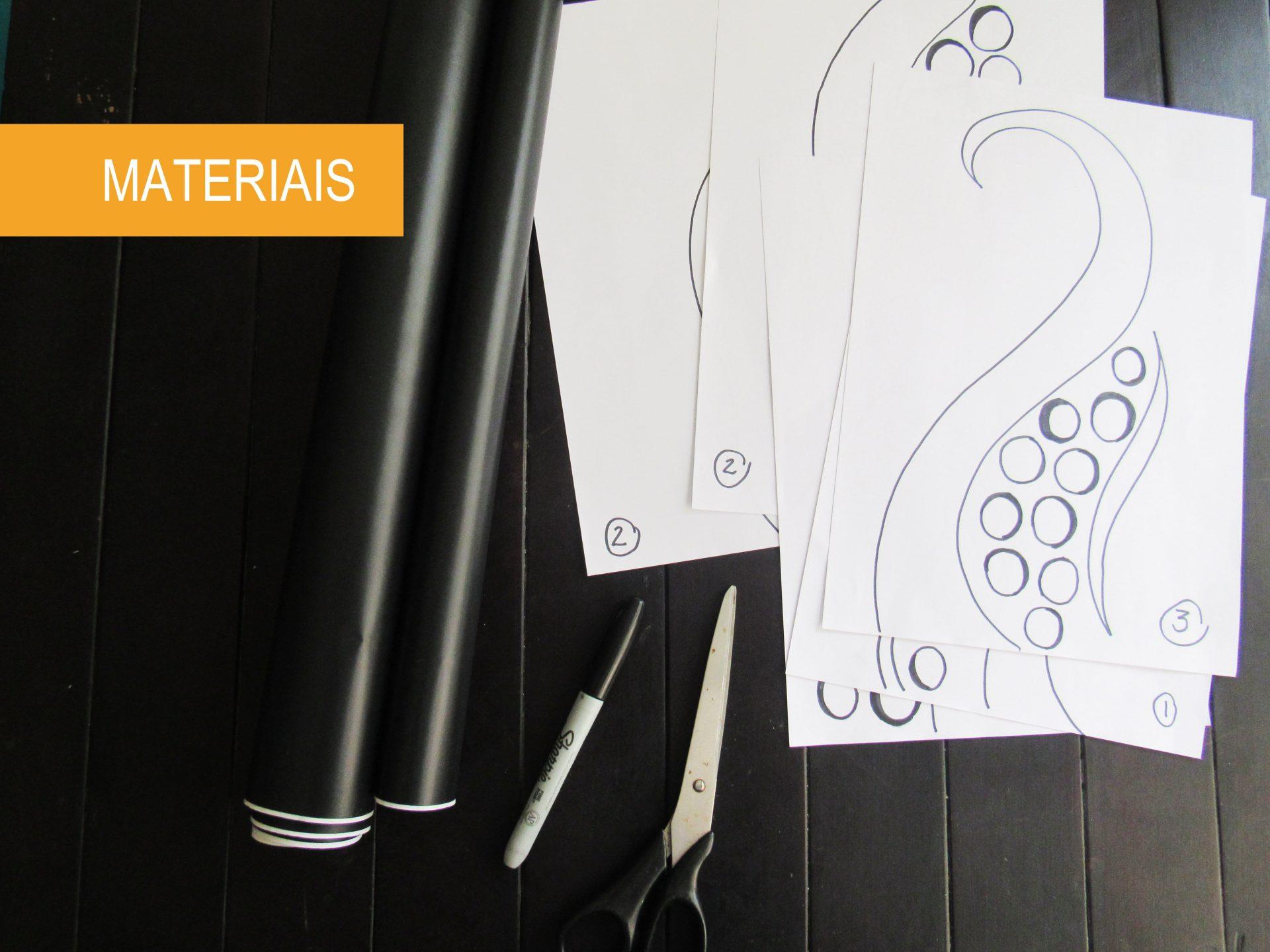como-fazer-adesivo-de-parede-para-banheiro-materiais