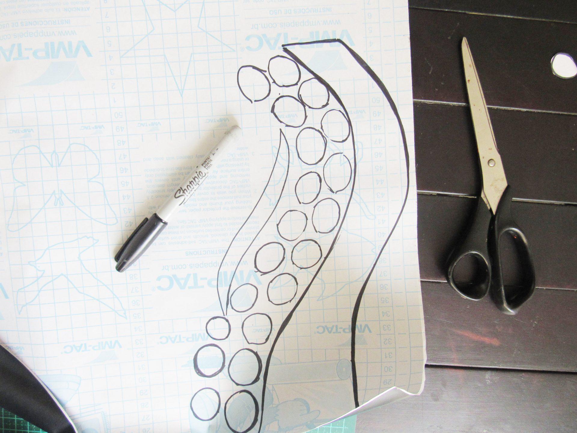como-fazer-adesivo-de-parede-para-banheiro-papel-contact